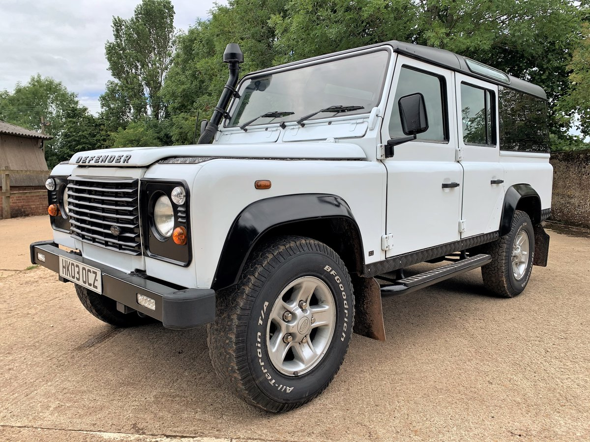 2003 Defender 110 TD5 CSW 9 seater+pano rear windows SOLD (picture 2 of 6)