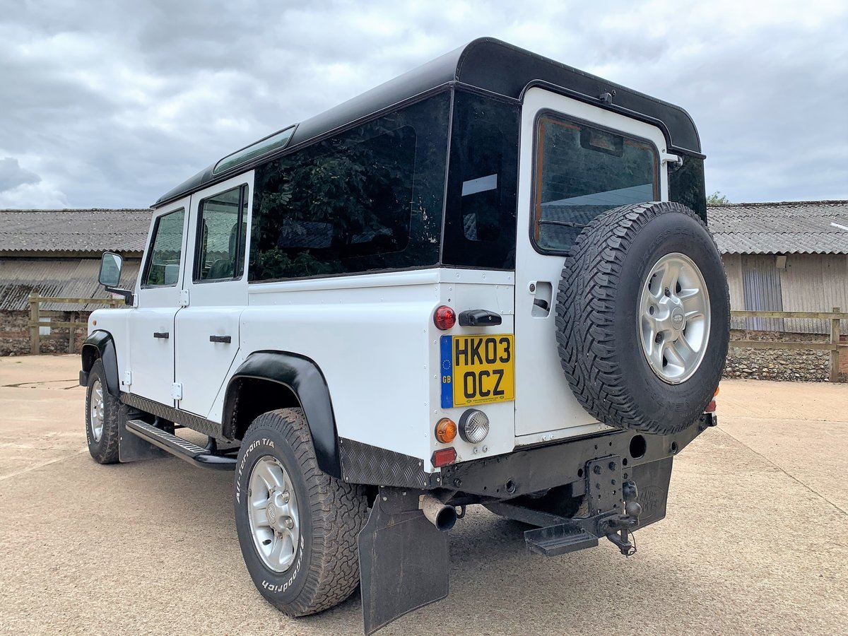 2003 Defender 110 TD5 CSW 9 seater+pano rear windows SOLD (picture 4 of 6)