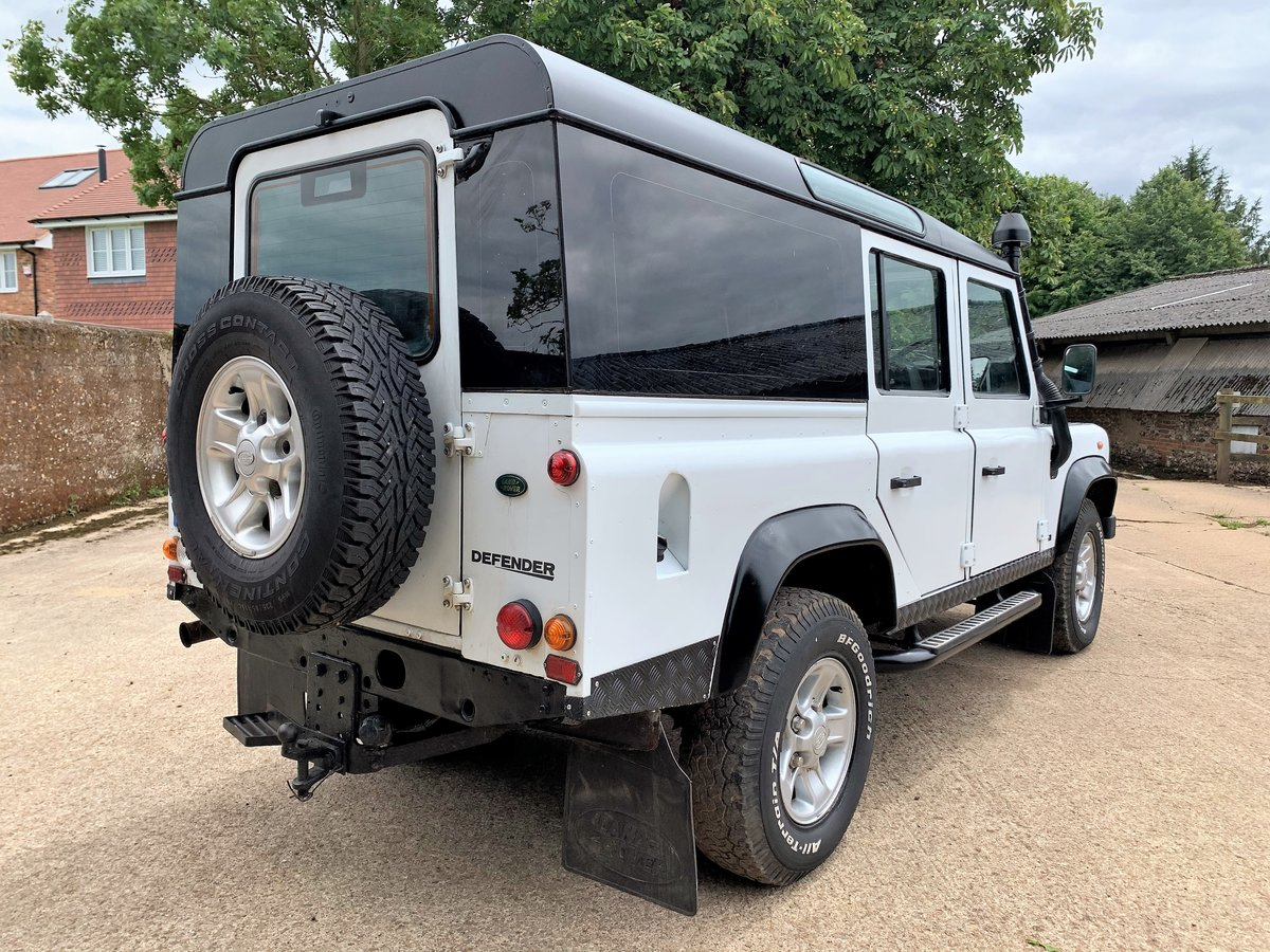 2003 Defender 110 TD5 CSW 9 seater+pano rear windows SOLD (picture 6 of 6)