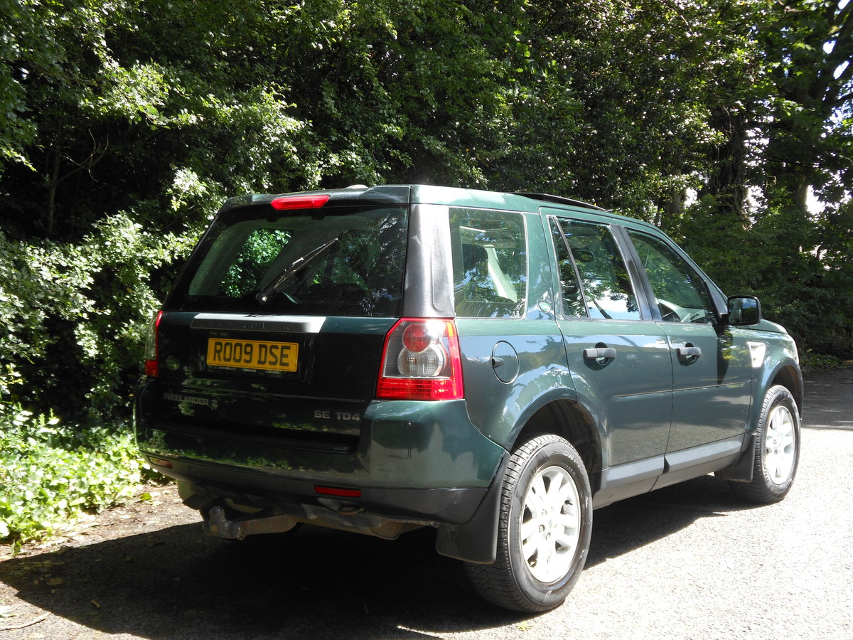 2009 Land Rover Freelander 2.2 SE TD4 Auto + 2 Former Keeper SOLD (picture 2 of 6)