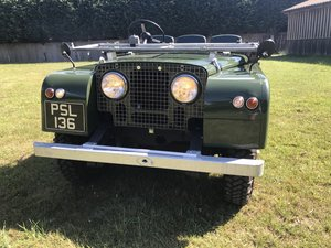 Land Rover series 1 Lights through the grille