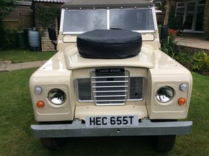 Land Rover series 3 - Fully restored