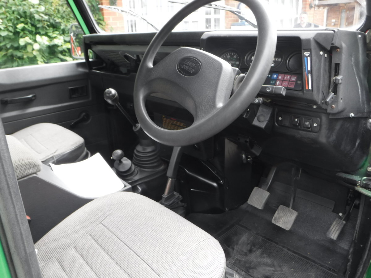 1993 Land Rover Defender 90 2.5 TDi Pick-Up 2dr BESPOKE For Sale (picture 5 of 6)