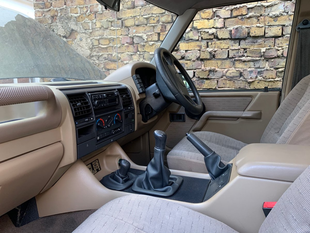 1996 Land Rover Discovery 3 Door Green 66k V8 MANU For Sale (picture 6 of 6)