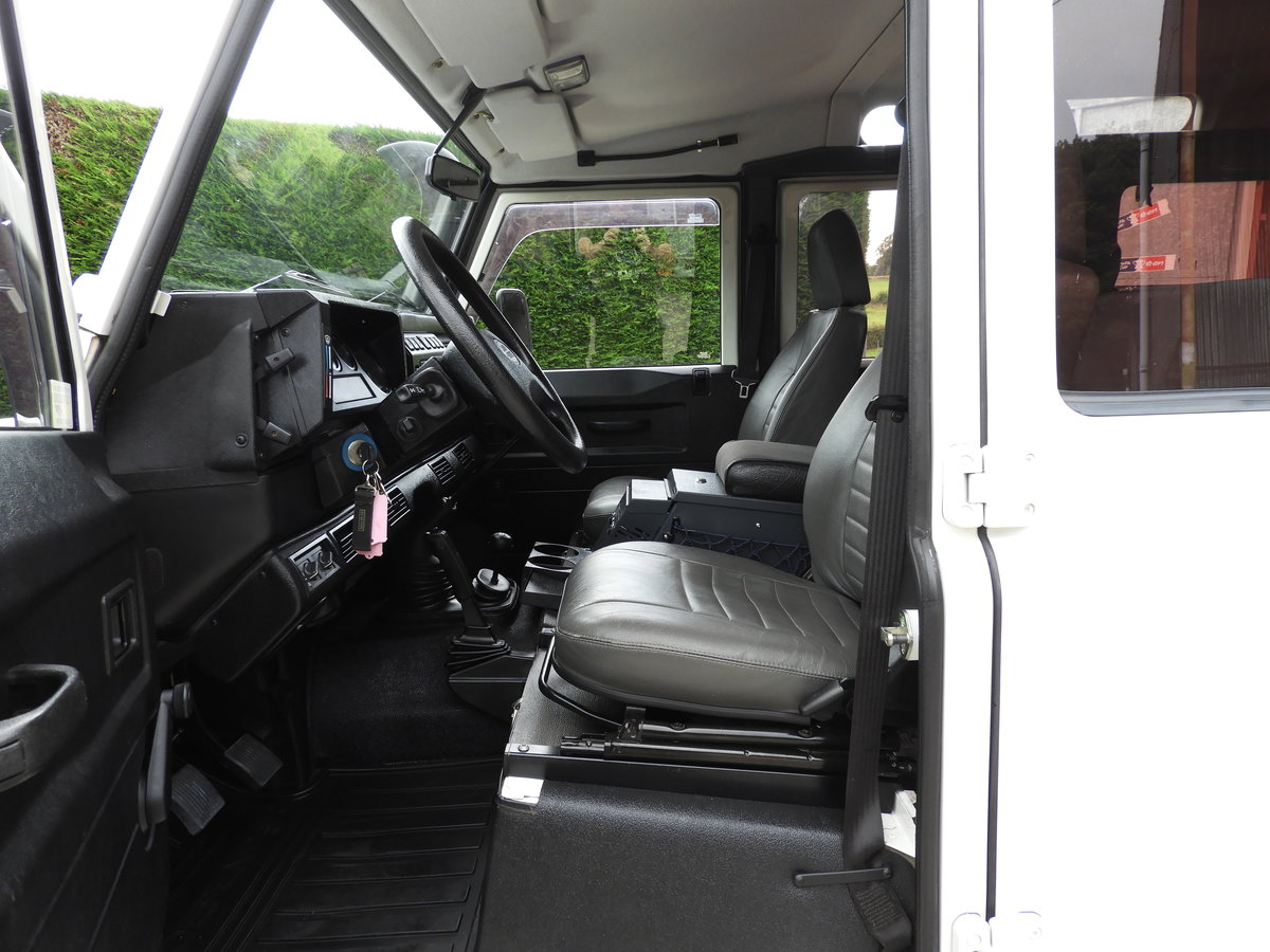 2006 LAND ROVER DEFENDER 110 300TDI LHD REST OF WORLD ! For Sale (picture 5 of 6)