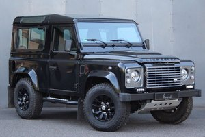 2013 Land Rover Defender 90 LHD - New car condition!