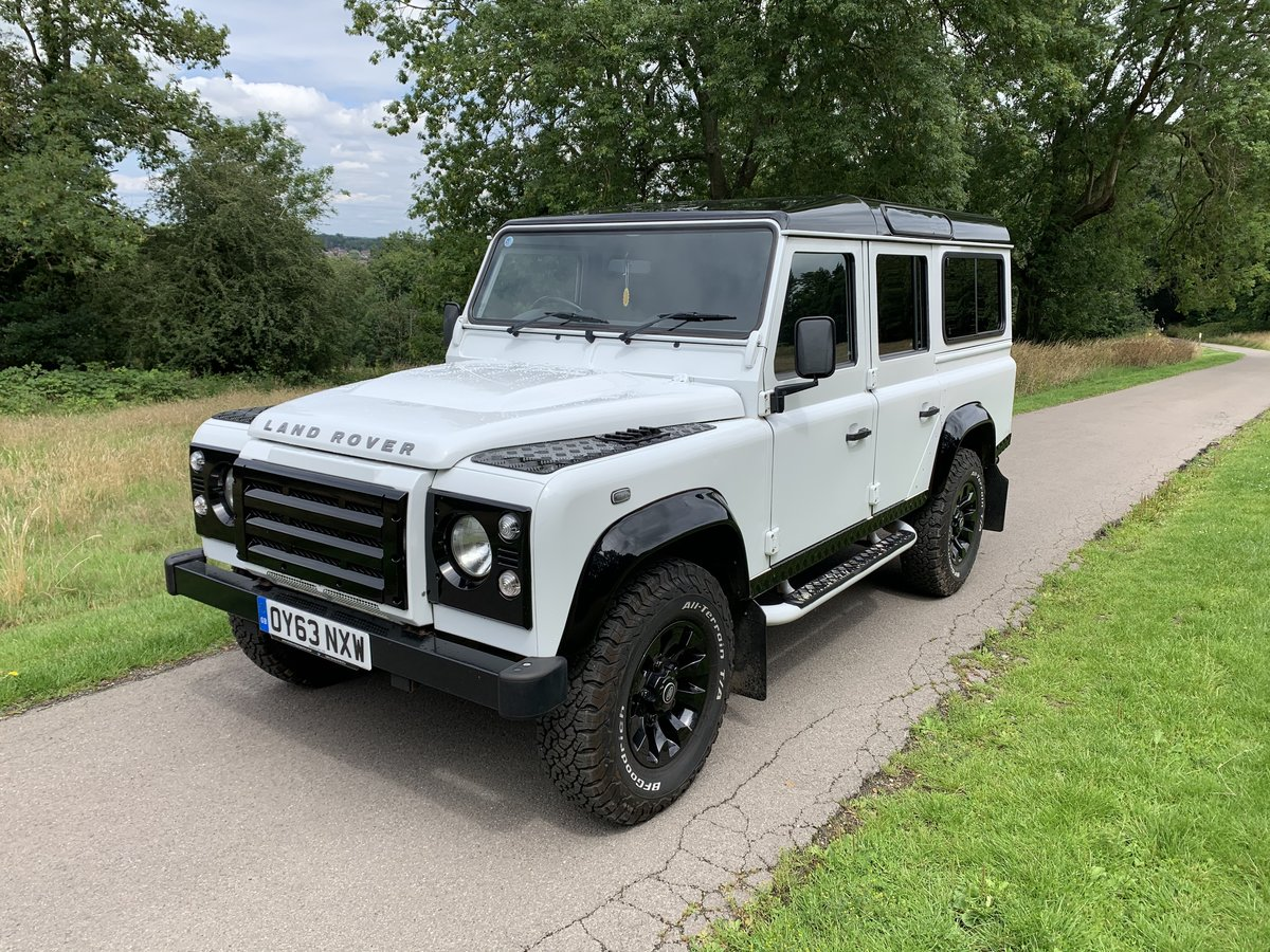 2013 Land Rover Defender XS Station Wagon White/Black For Sale (picture 1 of 6)