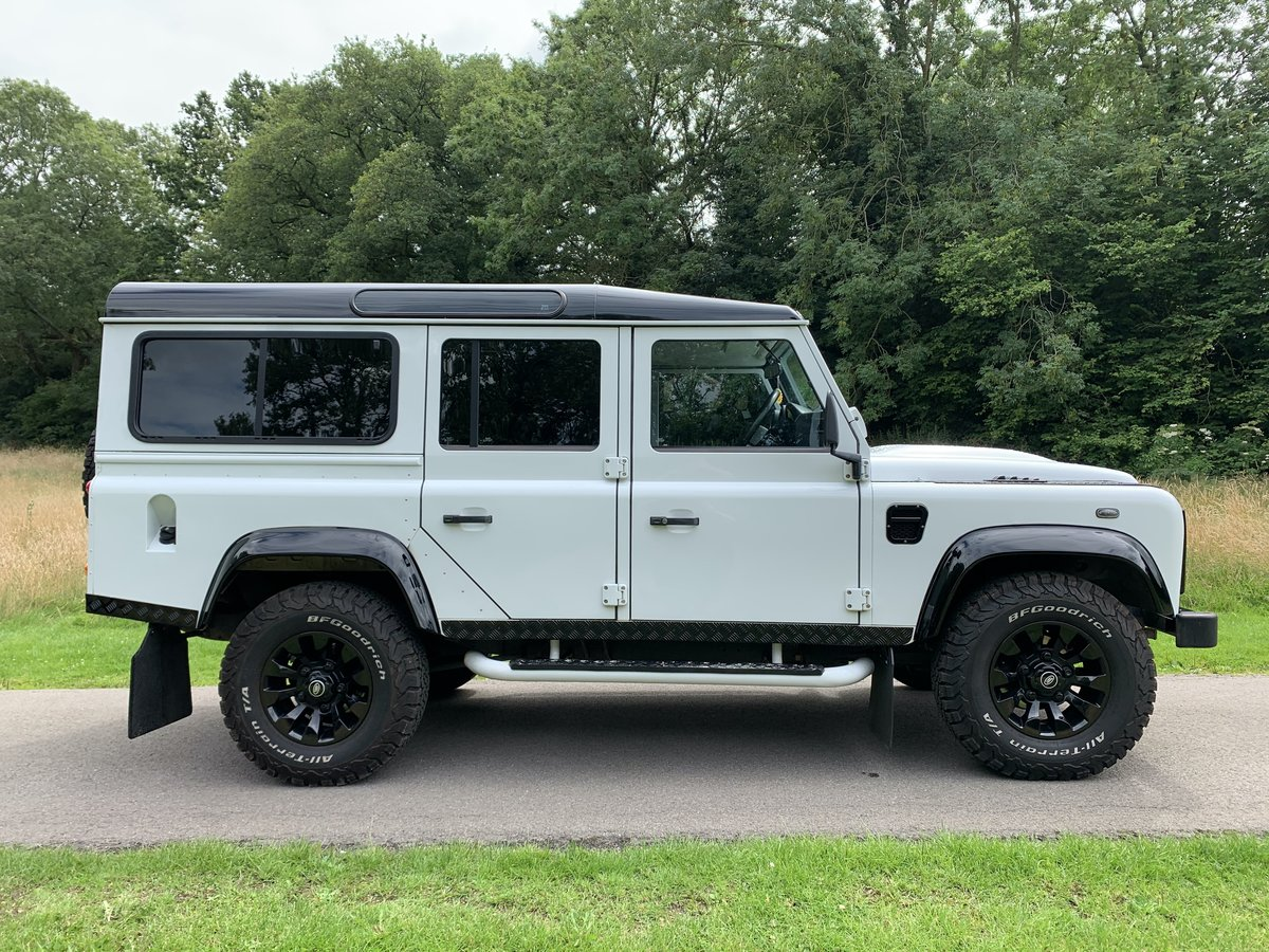 2013 Land Rover Defender XS Station Wagon White/Black For Sale (picture 5 of 6)
