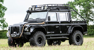 LAND ROVER DEFENDER 2.4 JAMES BOND SPECTRE MODEL