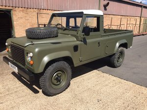 Land rover defender 110 pick up ex mod 200tdi