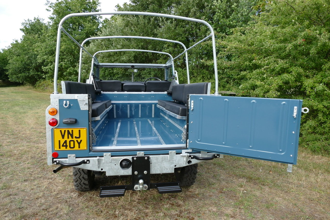 1982 Land Rover Series 3 109 soft top fully restored SOLD (picture 2 of 6)