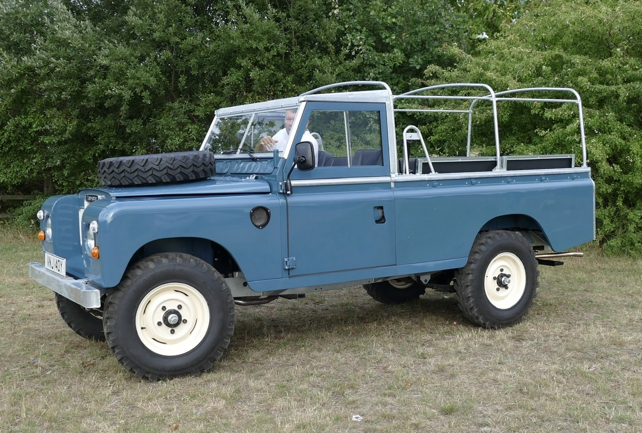 1982 Land Rover Series 3 109 soft top fully restored SOLD (picture 6 of 6)
