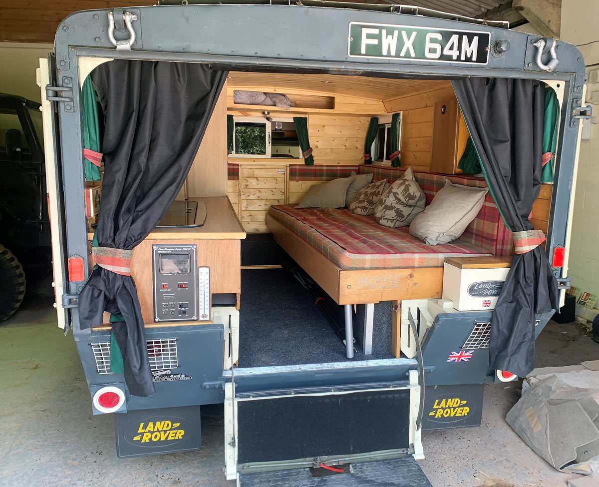 LOVELY 1972 SERIES IIA MARSHALL AMBULANCE CAMPER CONVERSION For Sale (picture 4 of 6)