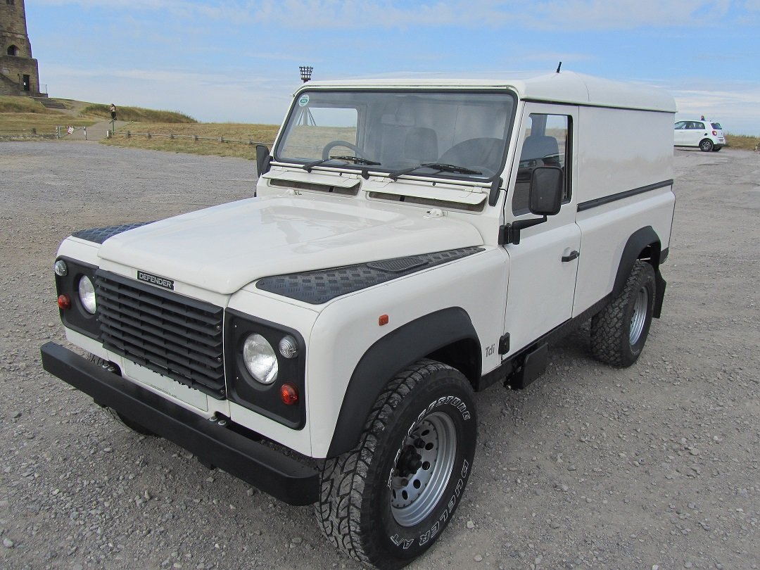 1998 Land Rover 110 Defender 300Tdi. For Sale (picture 1 of 6)