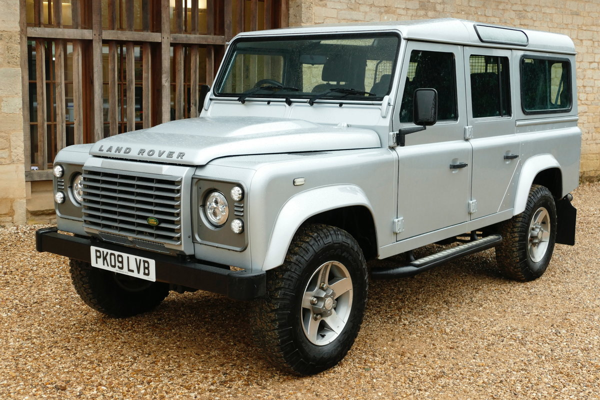 2009 DEFENDER 110 2.4TDci XS STATION WAGON For Sale (picture 2 of 6)