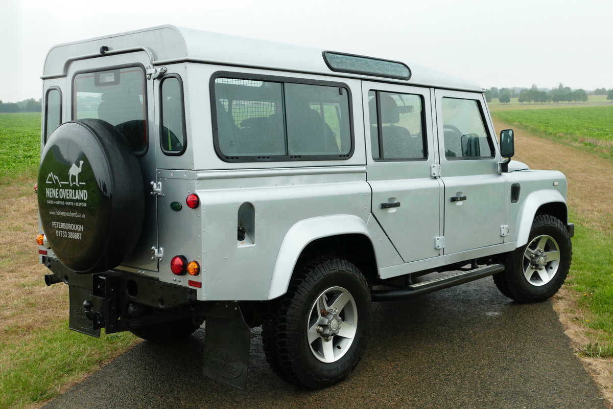 2009 DEFENDER 110 2.4TDci XS STATION WAGON For Sale (picture 3 of 6)