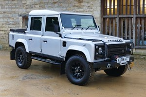 LAND ROVER DEFENDER 5.0 V8 Auto DOUBLE CAB PICK UP