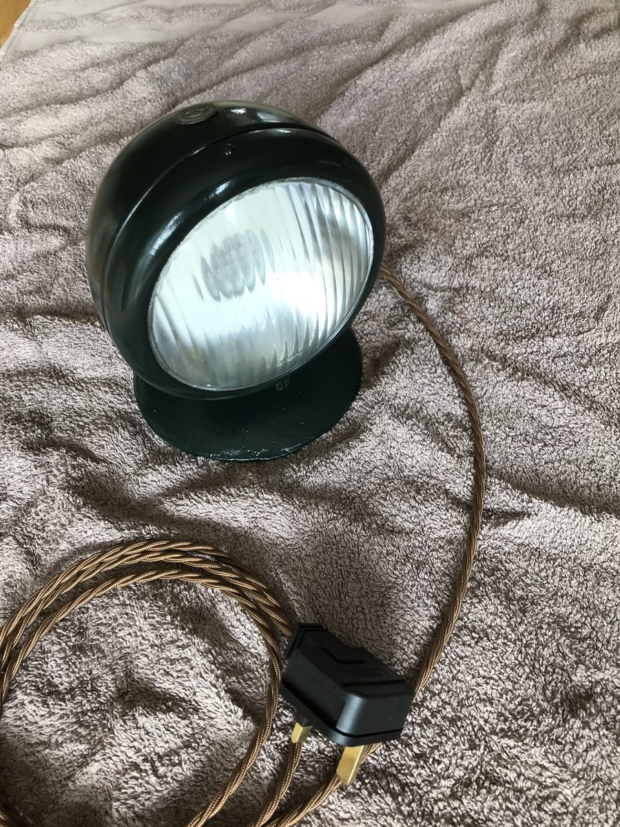 Land Rover  Converted table lamp For Sale (picture 3 of 3)