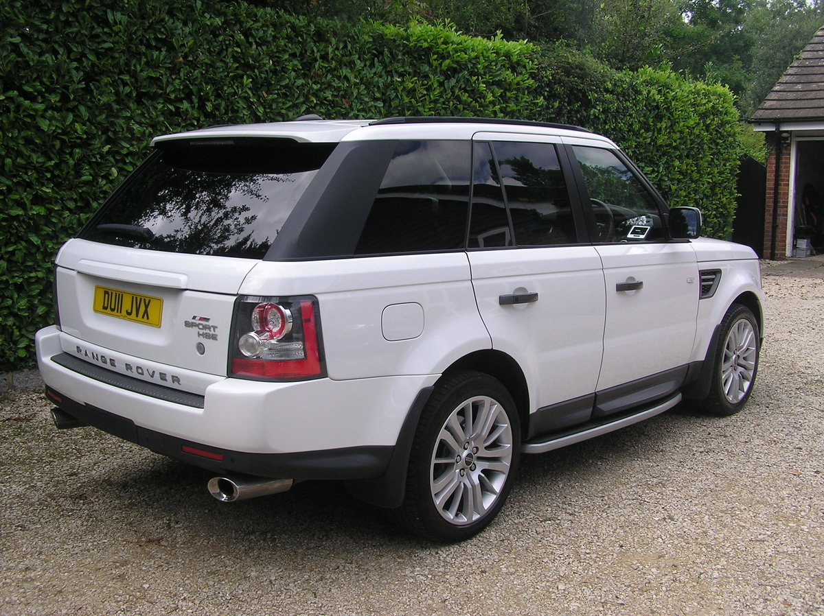 2011 Land Rover Range Rover Sport 3.0 TD V6 HSE For Sale (picture 2 of 6)