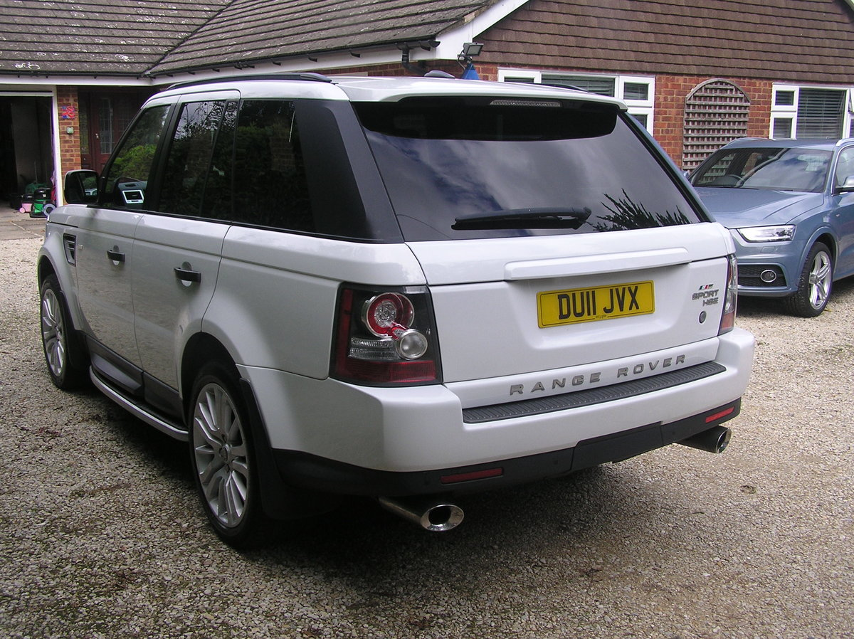 2011 Land Rover Range Rover Sport 3.0 TD V6 HSE For Sale (picture 3 of 6)