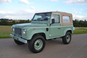 1989 Restored Defender 90 SWB - new engine & interior