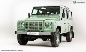LAND ROVER DEFENDER 110 HERITAGE  // 1 OF 400 // 557 MILES