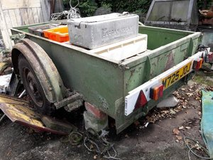 1965 Lo Lode Bespoke-Built Single-Axle Land Rover Trailer  For Sale by Auction