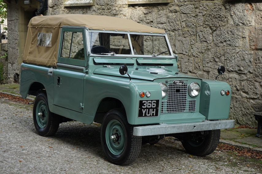 """1963 Land Rover Series 2a 88"""" 1962 Soft Top Nut & Bolt Restoratio For Sale (picture 1 of 6)"""