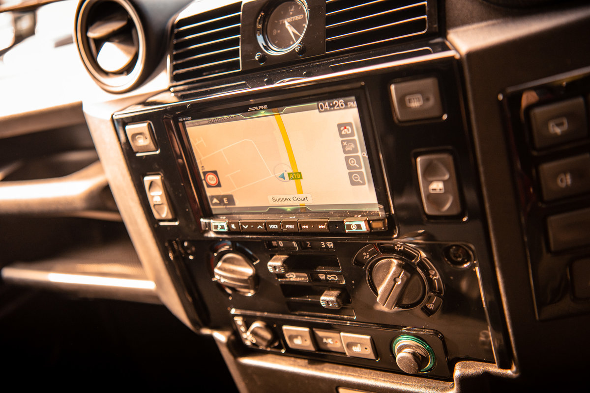 2013 LAND ROVER DEFENDER 90 HARD TOP V8 For Sale (picture 4 of 6)