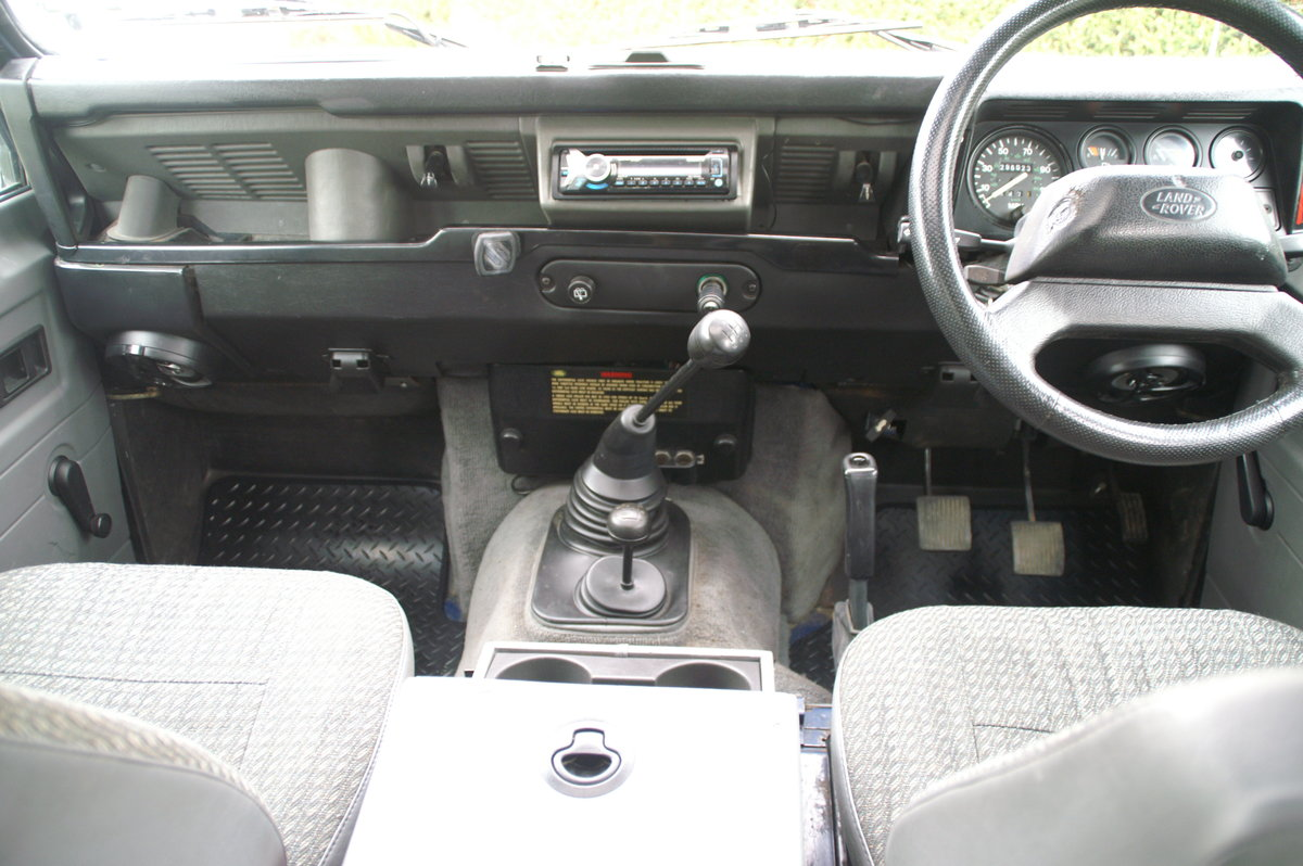 1998 Land Rover Defender 110 CSW 300 TDI For Sale (picture 2 of 6)