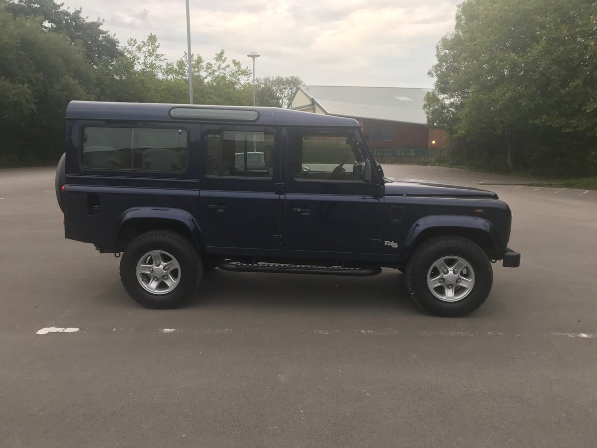 2003 Land Rover Defender 110 TD5 County 9 Seats For Sale (picture 2 of 6)