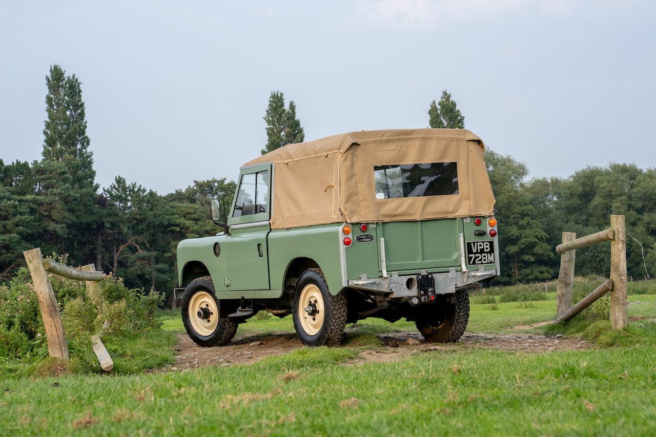 "Land Rover Series 3 88"" 1974 Pastel Green Softop Refurbished SOLD (picture 3 of 6)"