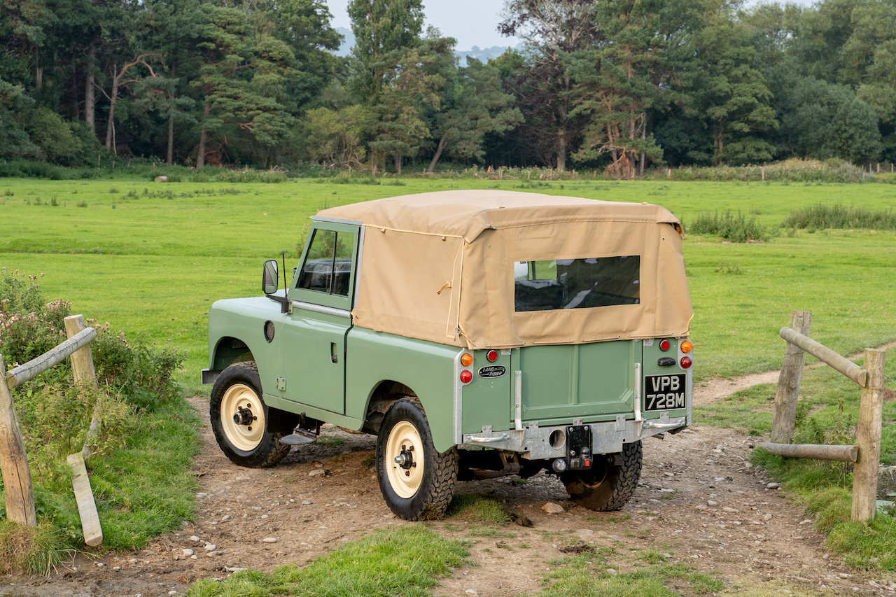 "Land Rover Series 3 88"" 1974 Pastel Green Softop Refurbished SOLD (picture 4 of 6)"