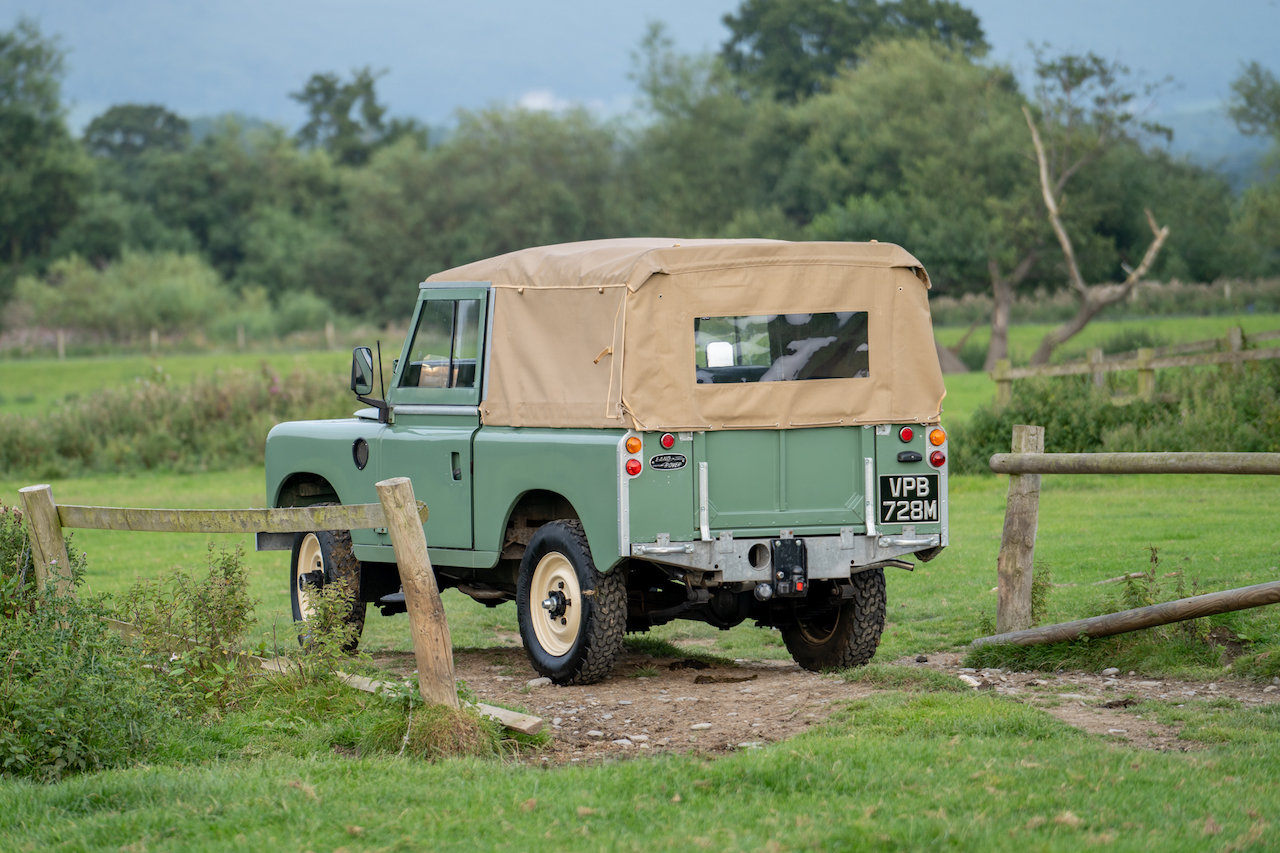 "Land Rover Series 3 88"" 1974 Pastel Green Softop Refurbished SOLD (picture 5 of 6)"