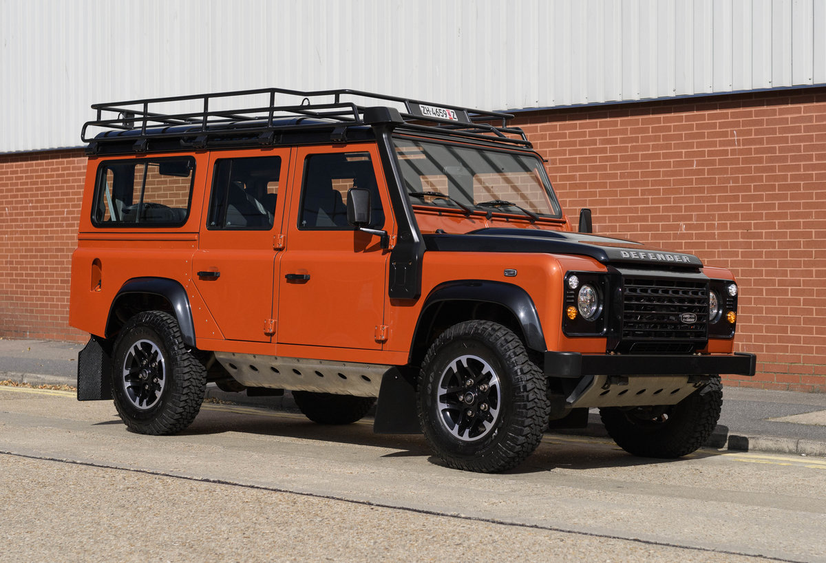 2016 Land Rover Defender 110 Adventure (LHD) For Sale (picture 2 of 24)