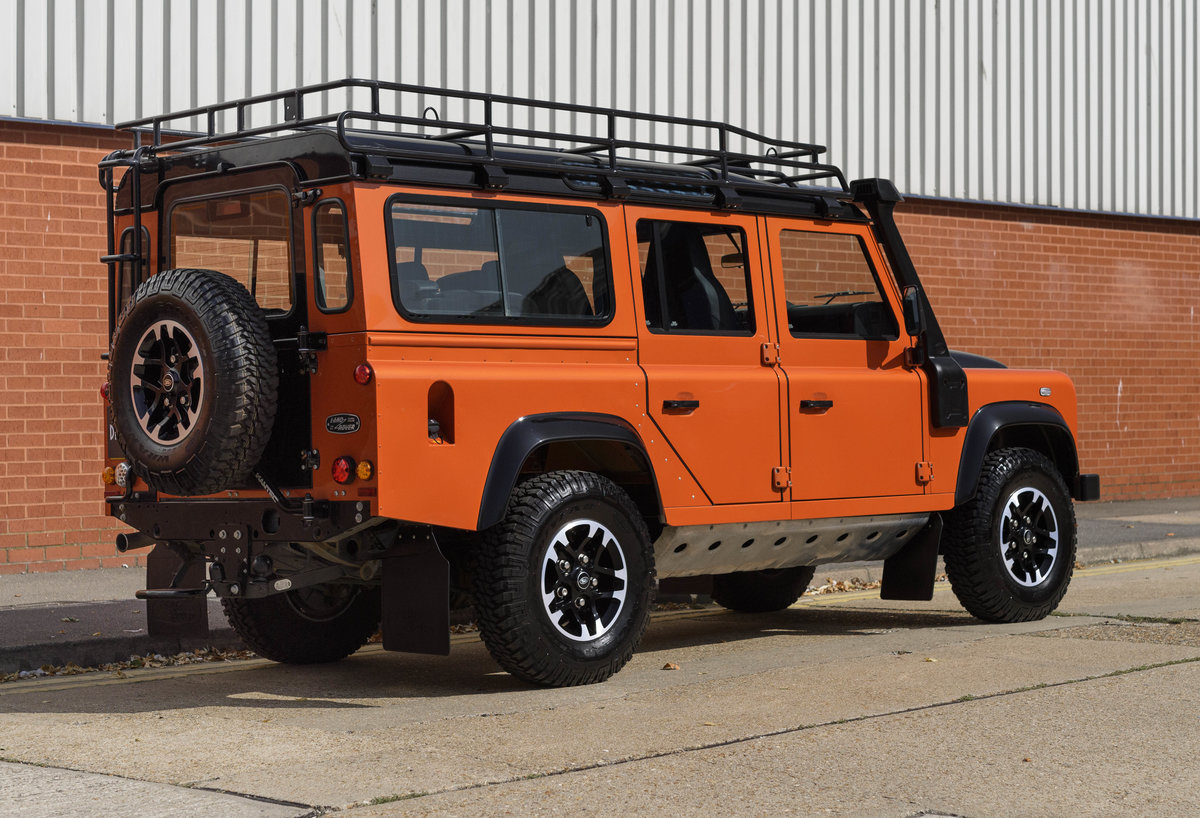 2016 Land Rover Defender 110 Adventure (LHD) For Sale (picture 3 of 24)