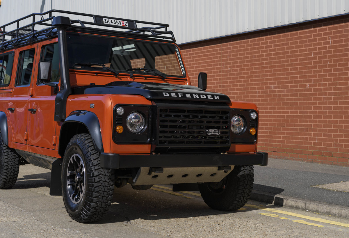 2016 Land Rover Defender 110 Adventure (LHD) For Sale (picture 9 of 24)