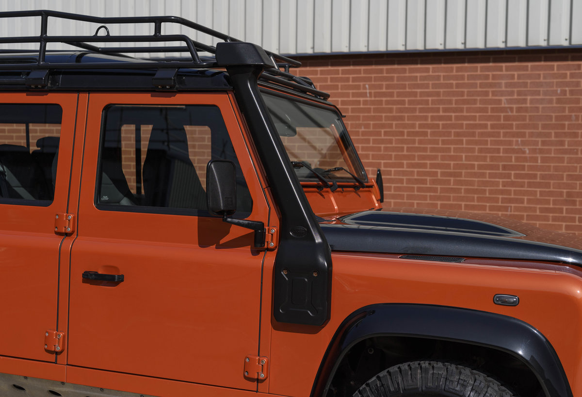 2016 Land Rover Defender 110 Adventure (LHD) For Sale (picture 10 of 24)