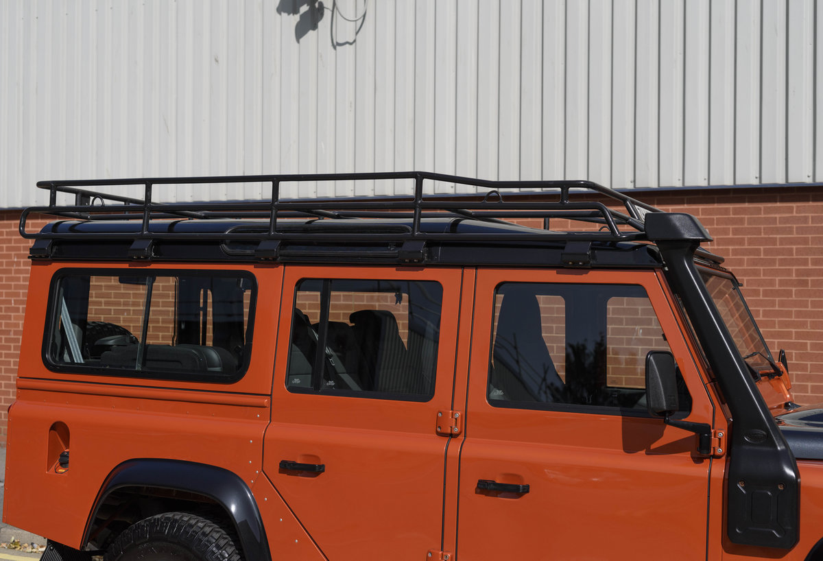 2016 Land Rover Defender 110 Adventure (LHD) For Sale (picture 11 of 24)