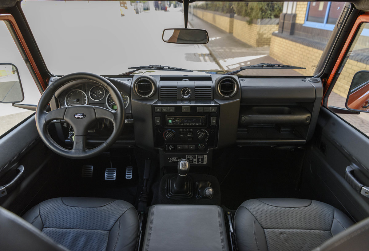 2016 Land Rover Defender 110 Adventure (LHD) For Sale (picture 14 of 24)