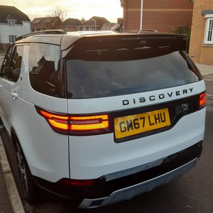 Land Rover Discovery HSE 9500 miles
