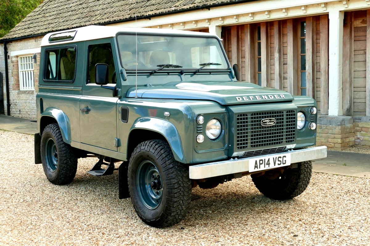 2014 LAND ROVER DEFENDER 90 2.2TDCi RETRO CLASSIC COUNTY STATION  For Sale (picture 1 of 6)