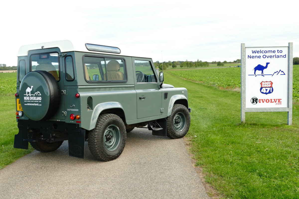 2014 LAND ROVER DEFENDER 90 2.2TDCi RETRO CLASSIC COUNTY STATION  For Sale (picture 5 of 6)