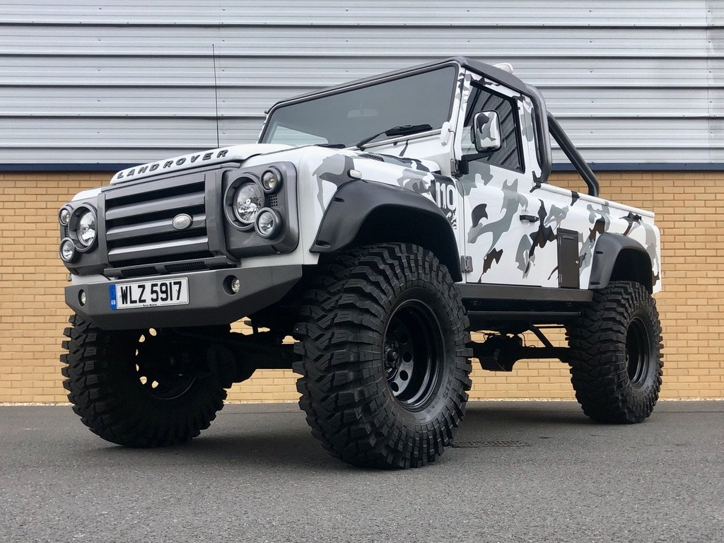 2009 LAND ROVER DEFENDER 110 // MONSTER TRUCK // PICK UP // 2.4L For Sale (picture 1 of 10)