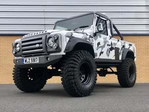 LAND ROVER DEFENDER 110 // MONSTER TRUCK // PICK UP // 2.4L