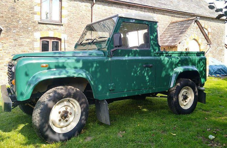 2004 Land Rover Defender 90 pick up For Sale (picture 1 of 5)