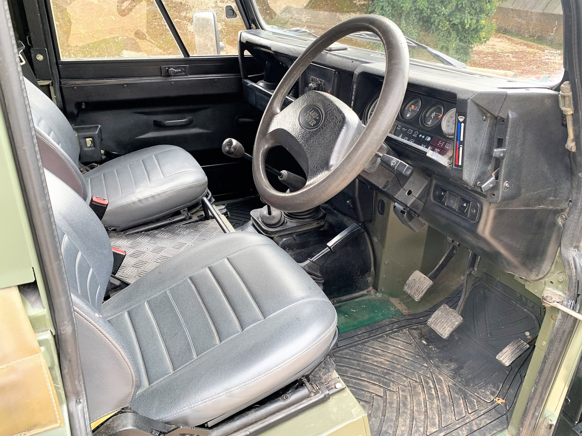lovely 1998 Defender 90 300TDi Wolf soft top 6 seater SOLD (picture 5 of 6)