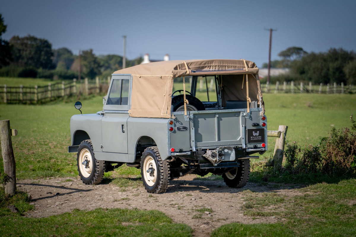 Land Rover Series 2 1958 Early Example with PTO Nut & Bolt R For Sale (picture 2 of 6)