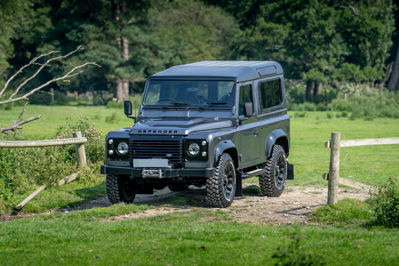 2014 Land Rover Defender 90 TDCI XS Station Wagon 1 Owner 20,000  SOLD (picture 2 of 6)