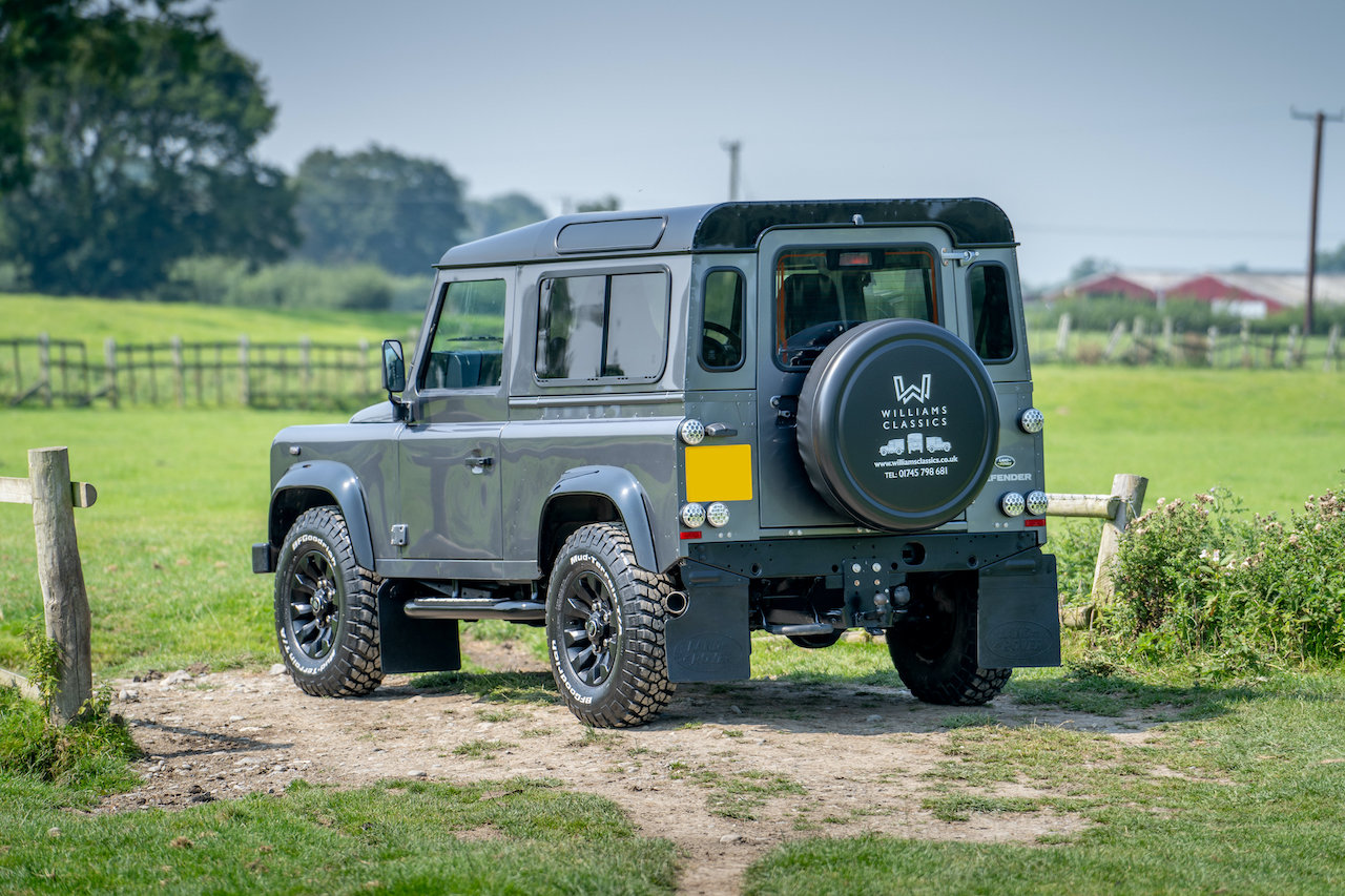 2014 Land Rover Defender 90 TDCI XS Station Wagon 1 Owner 20,000  SOLD (picture 3 of 6)